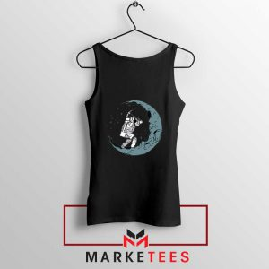 Astronaut Digging Moon Black Tank Top
